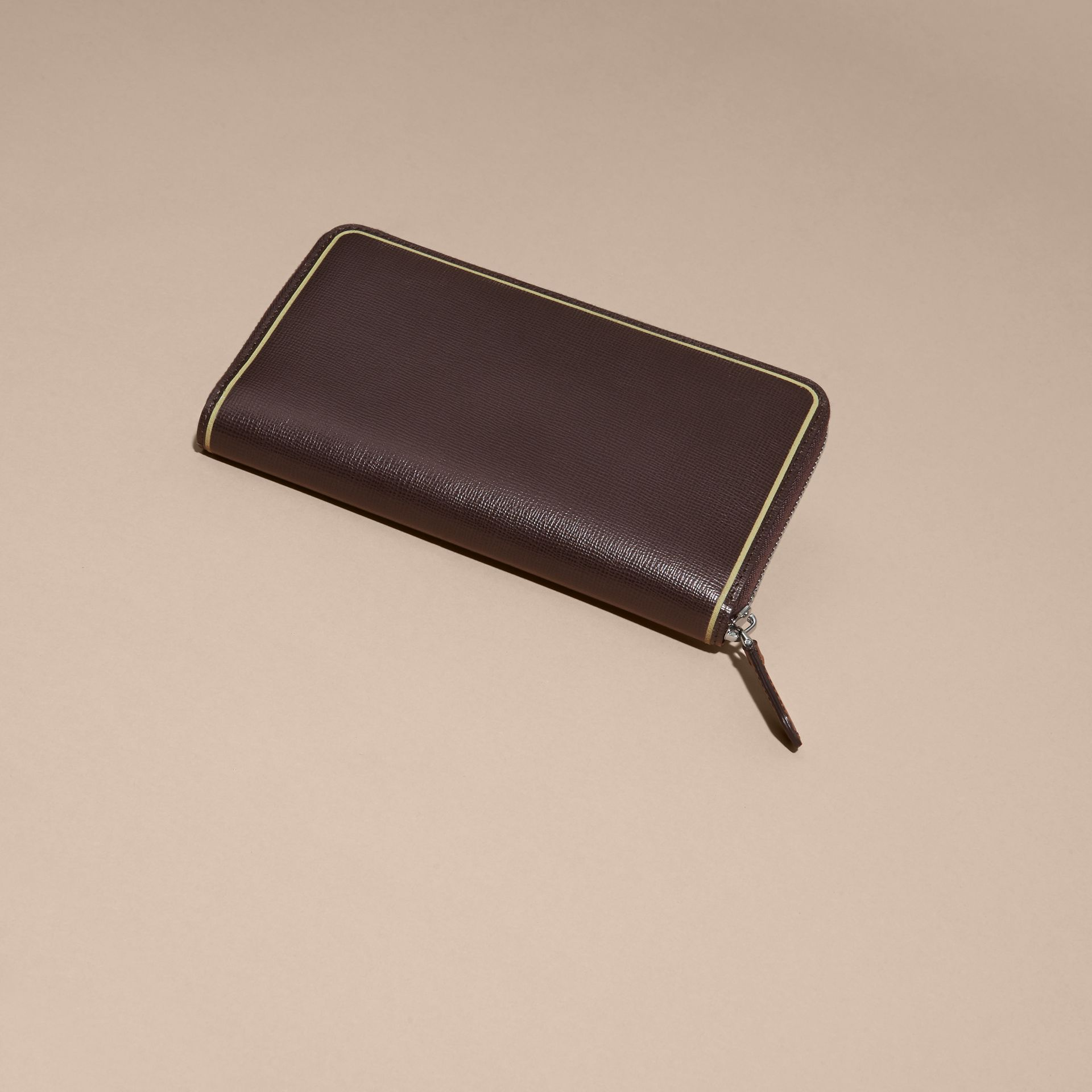 Border Detail London Leather Ziparound Wallet Peppercorn - gallery image 3