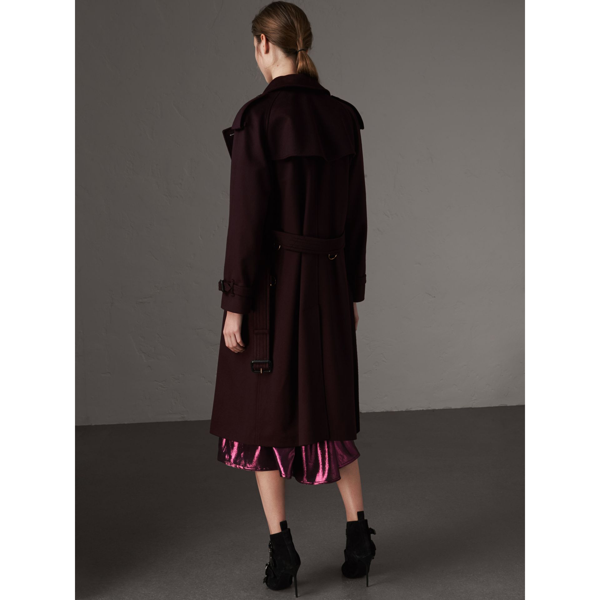 Cashmere Trench Coat in Blackcurrant - Women | Burberry - gallery image 3