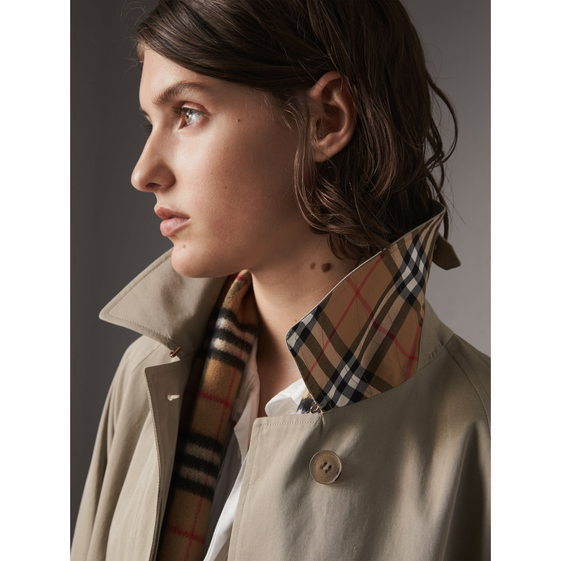 The Camden – Long Car Coat in Sandstone - Women | Burberry Singapore - gallery image 2