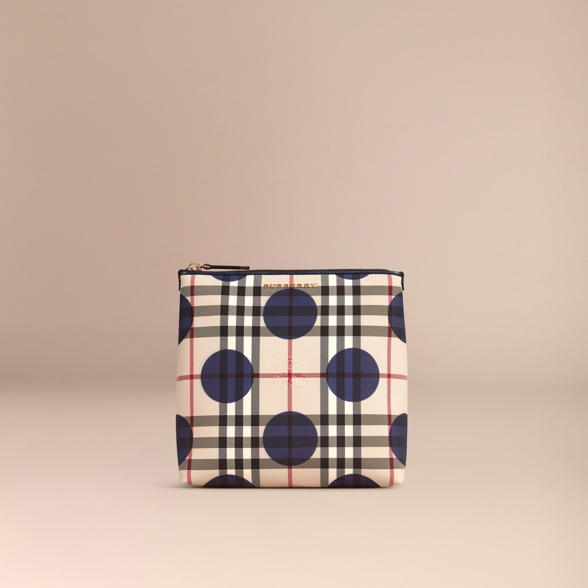Bleu carbone Grande pochette à motif check et à pois bordée de cuir Bleu Carbone - photo de la galerie 3
