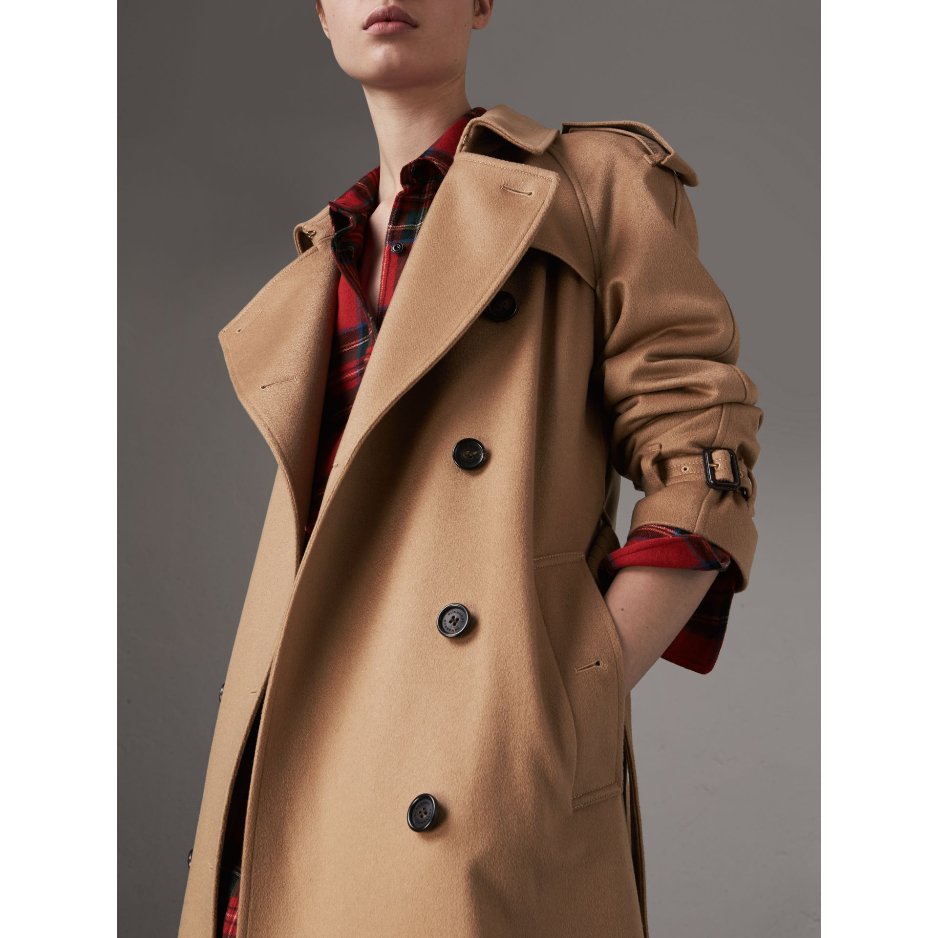Cashmere Trench Coat in Camel - Women | Burberry Canada - gallery image 4