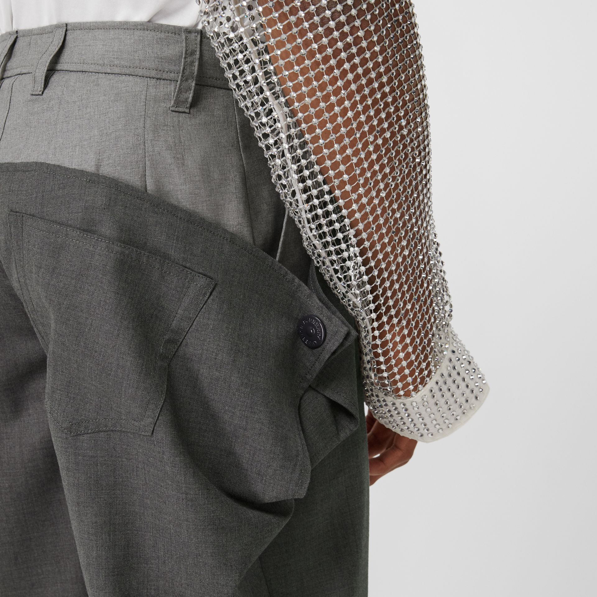 Press-stud Detail Tonal Wool Trousers in Charcoal Grey | Burberry - gallery image 4
