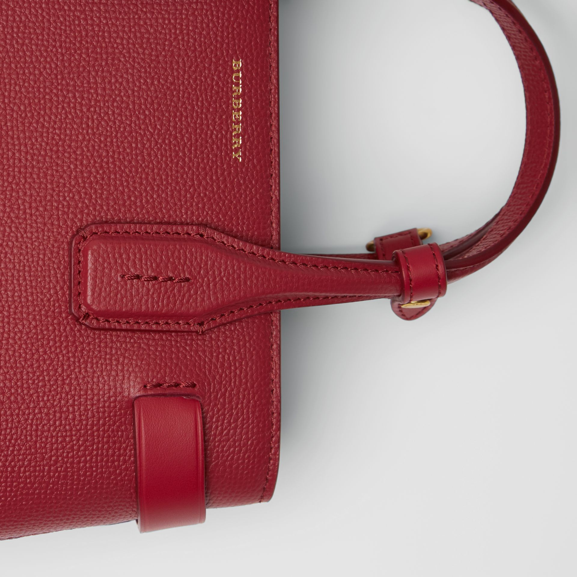The Small Banner in Grainy Leather in Crimson - Women | Burberry United Kingdom - gallery image 1