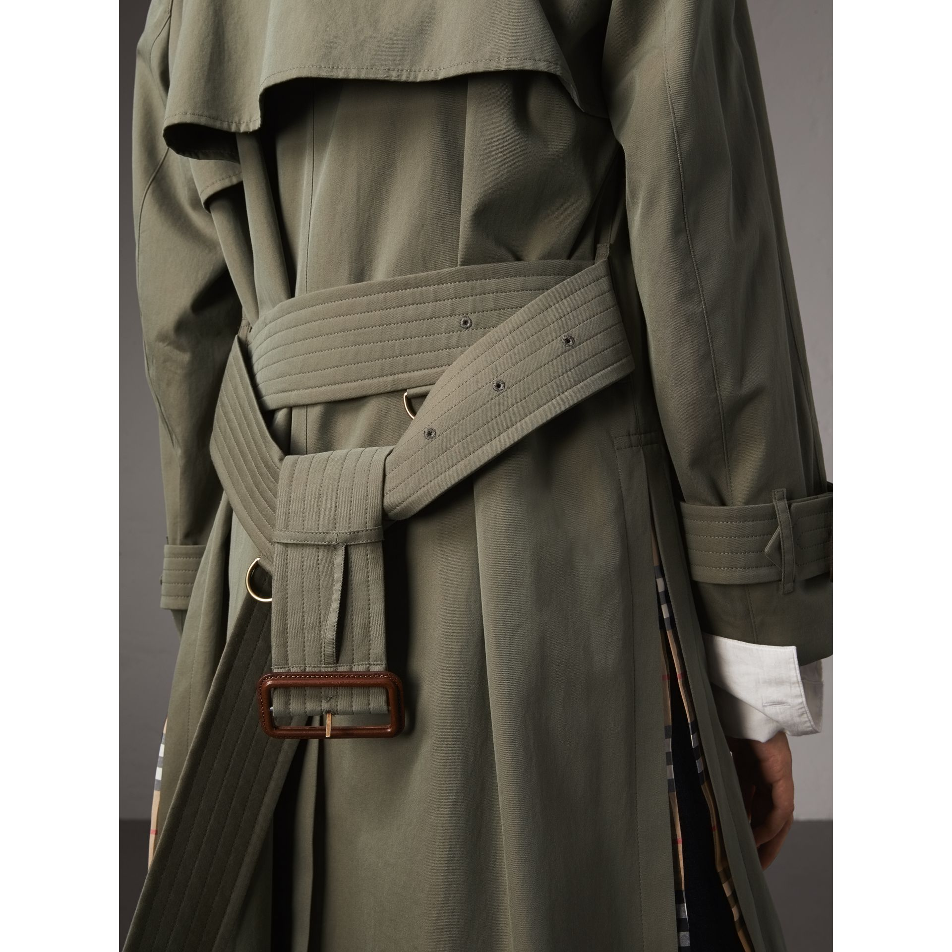 Side-slit Tropical Garbadine Trench Coat in Chalk Green - Women | Burberry - gallery image 5