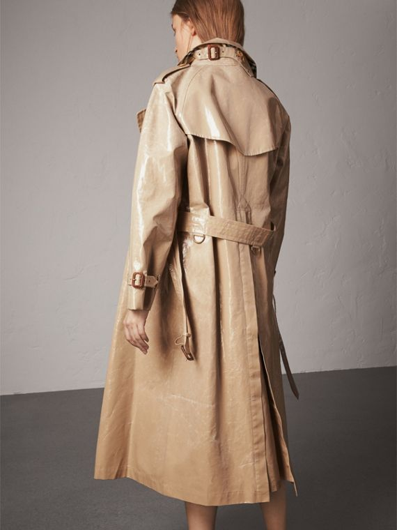 Raglan-sleeve Laminated Gabardine Trench Coat in Honey - Women | Burberry Singapore - cell image 2