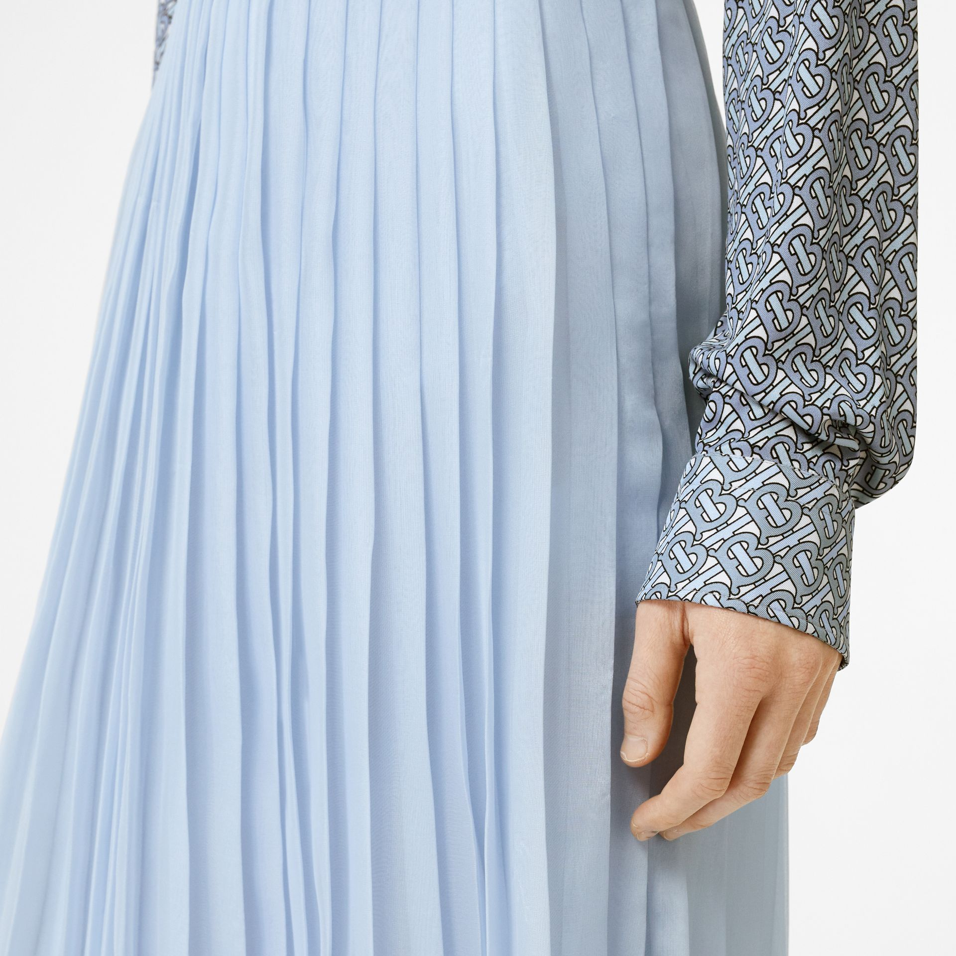 Contrast Trim Pleated Skirt in Pale Blue - Women | Burberry - gallery image 5