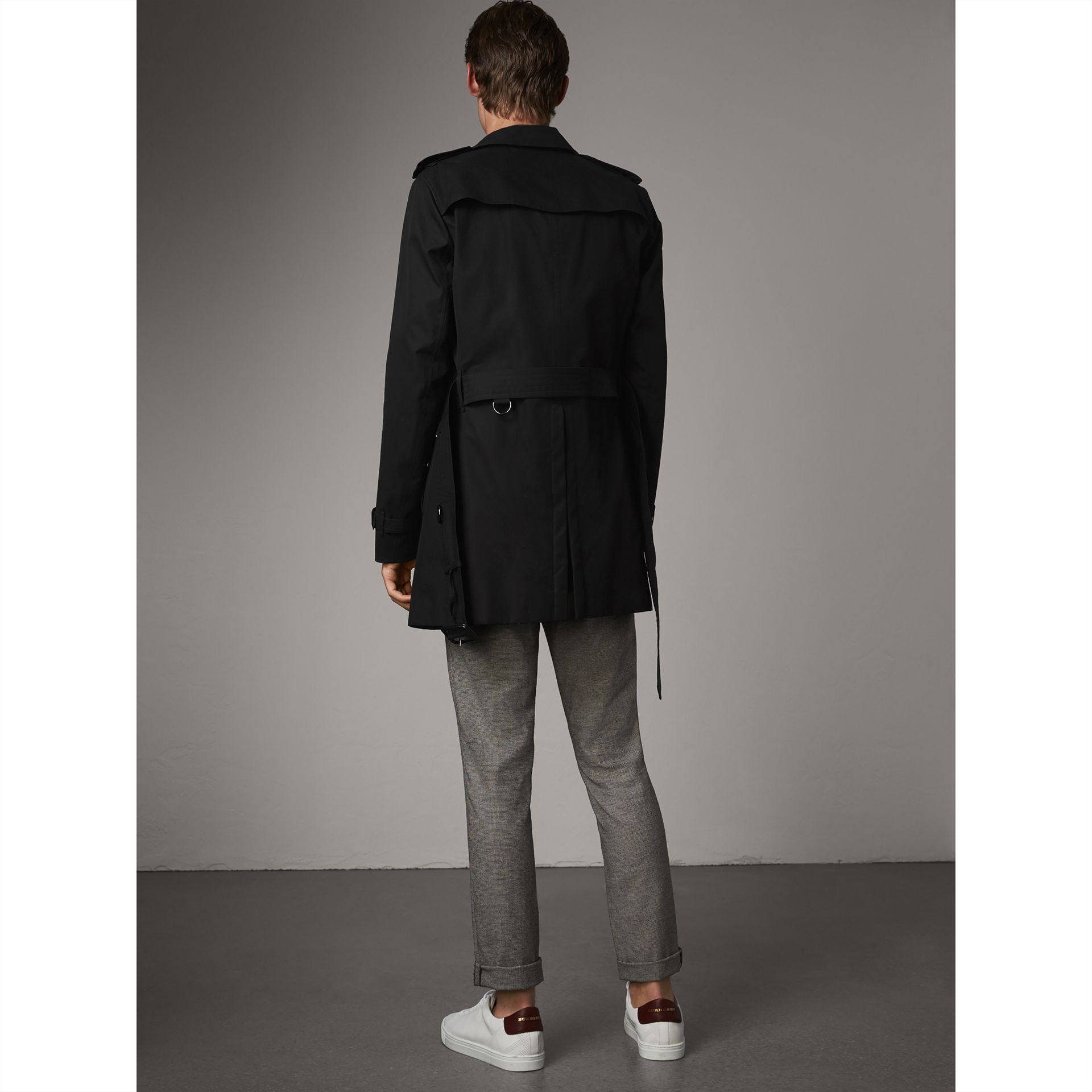 The Chelsea – Mid-length Trench Coat in Black - Men | Burberry Australia - gallery image 2