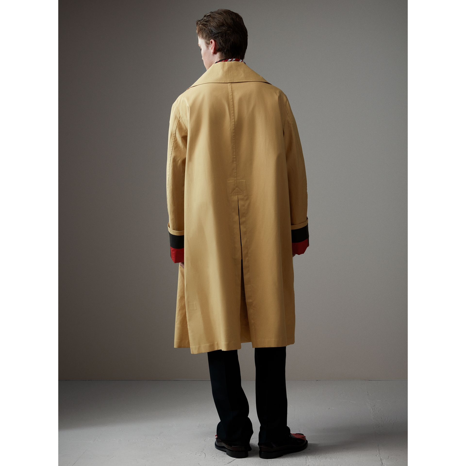 Bonded Cotton Oversized Seam-sealed Car Coat in Beige/red - Men | Burberry Singapore - gallery image 3