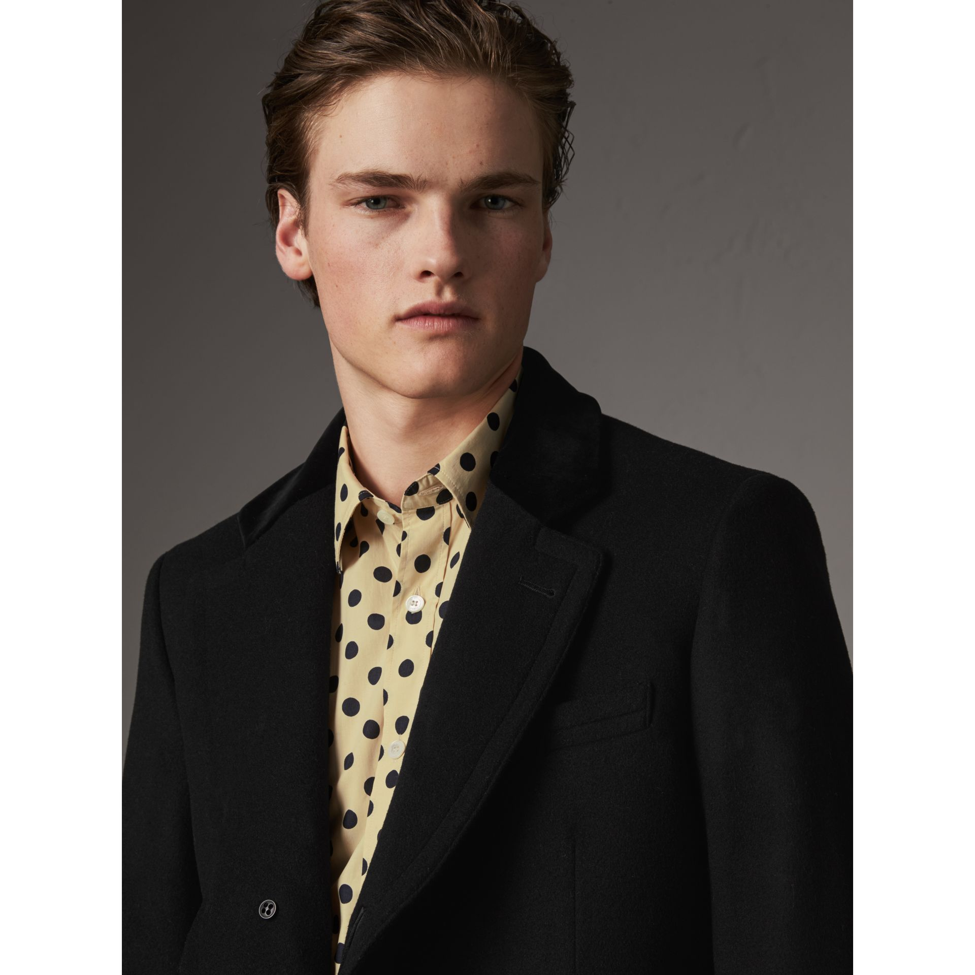 Velvet Collar Wool Cashmere Blend Riding Coat in Black - Men | Burberry United Kingdom - gallery image 2