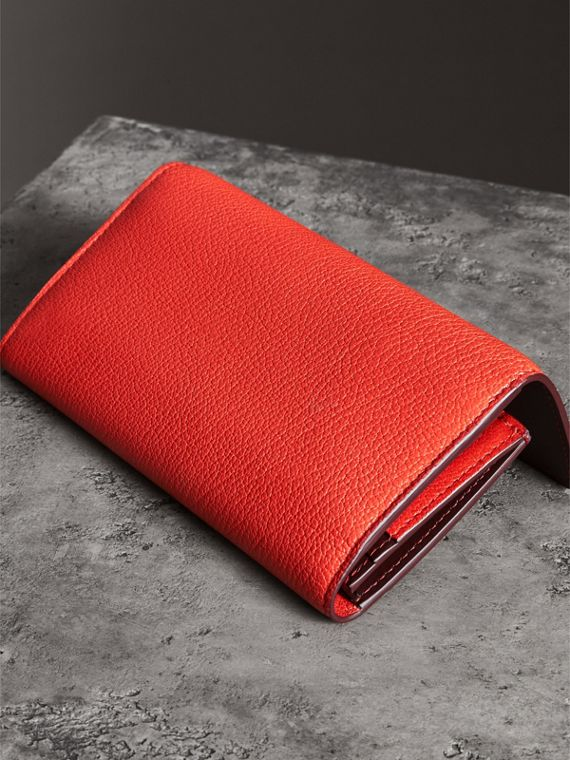 D-ring Grainy Leather Continental Wallet in Bright Red - Women | Burberry - cell image 2