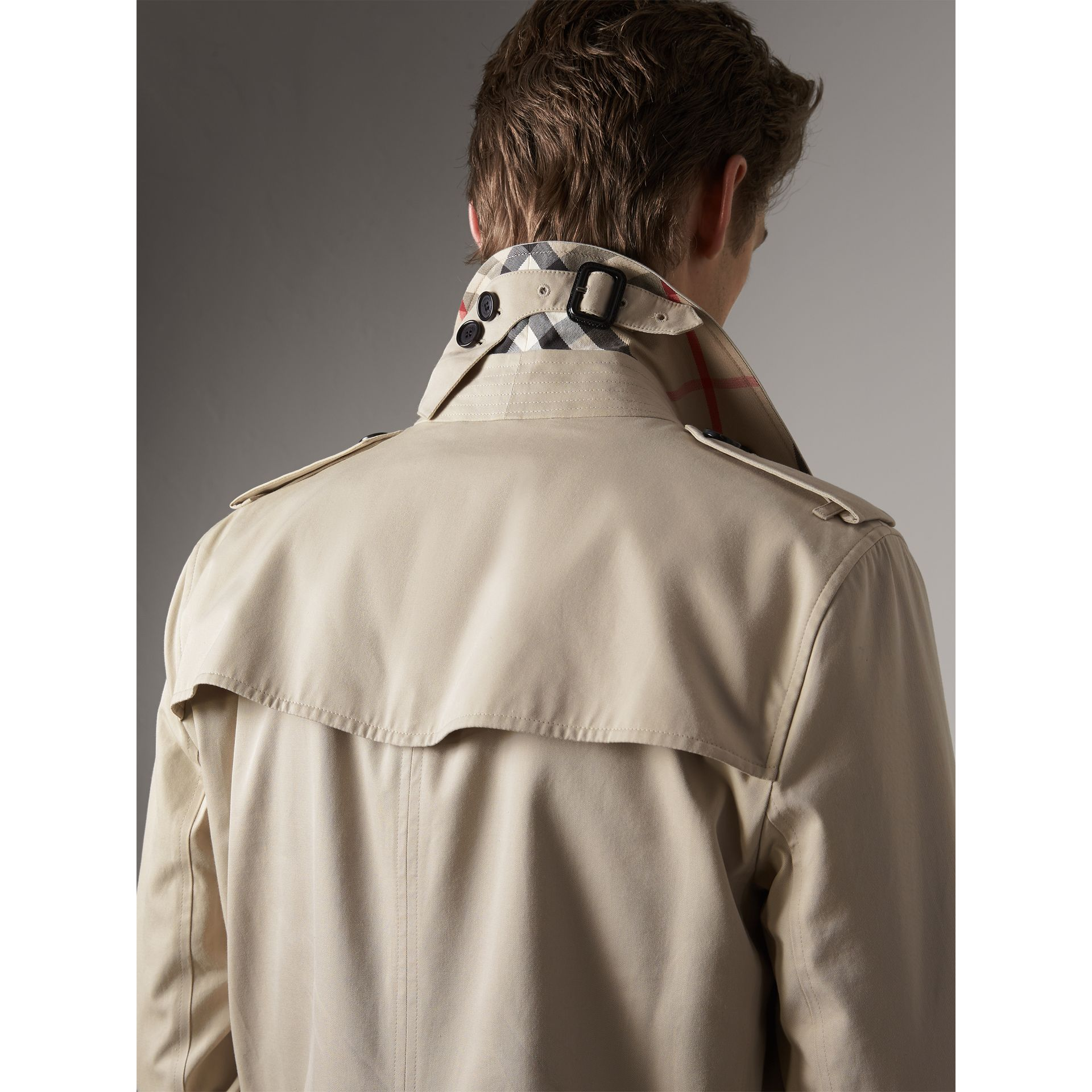 The Kensington – Mid-Length Heritage Trench Coat in Stone - Men | Burberry - gallery image 2