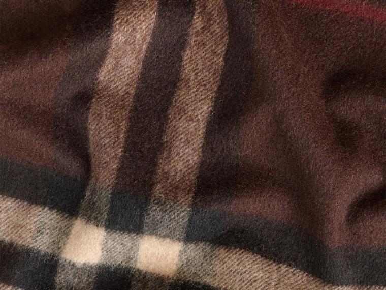 Check marrone castagna scuro Sciarpa in cashmere classica con motivo check Marrone Castagna Scuro - cell image 4