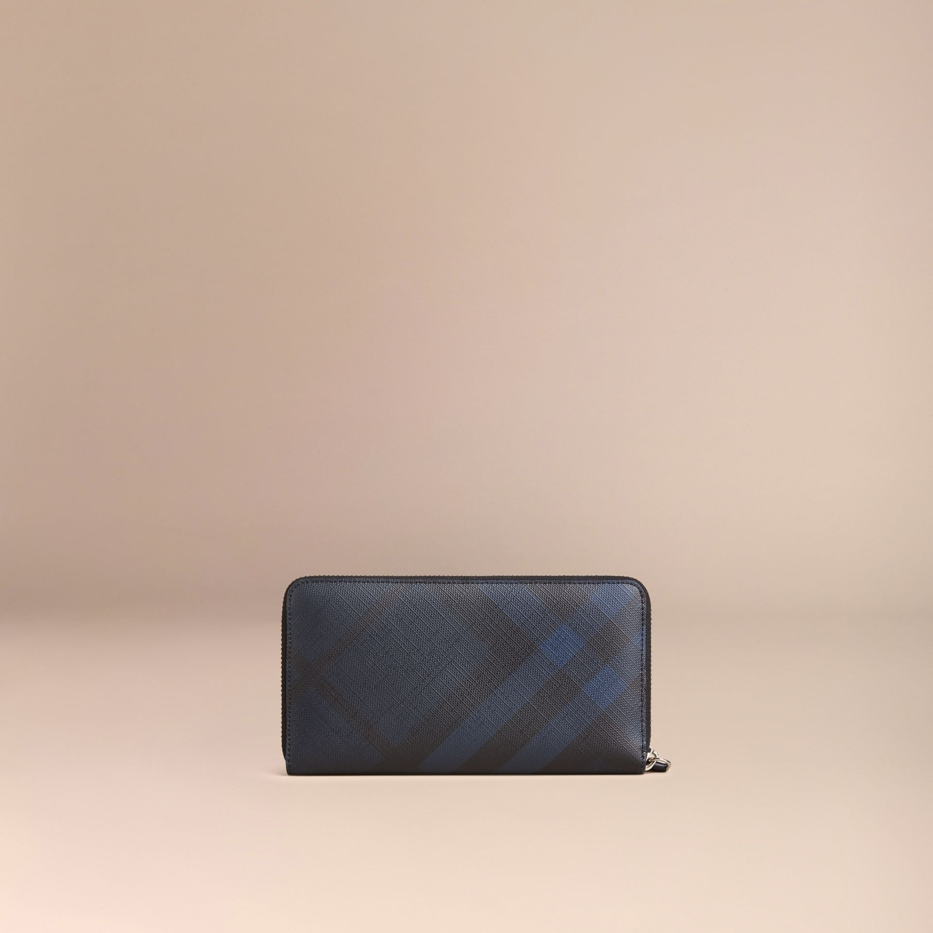 London Check Ziparound Wallet in Navy/black - Men | Burberry - gallery image 3