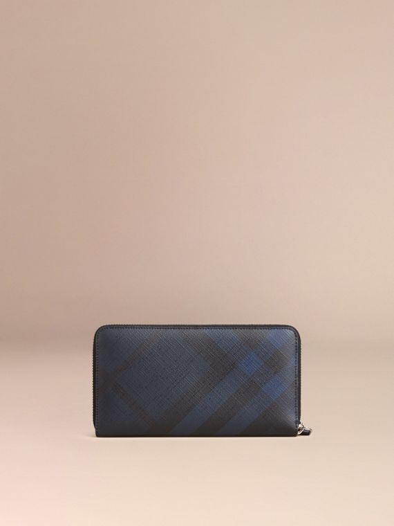 Cartera en London Checks con cremallera perimetral (Azul Marino / Negro) - Hombre | Burberry - cell image 2