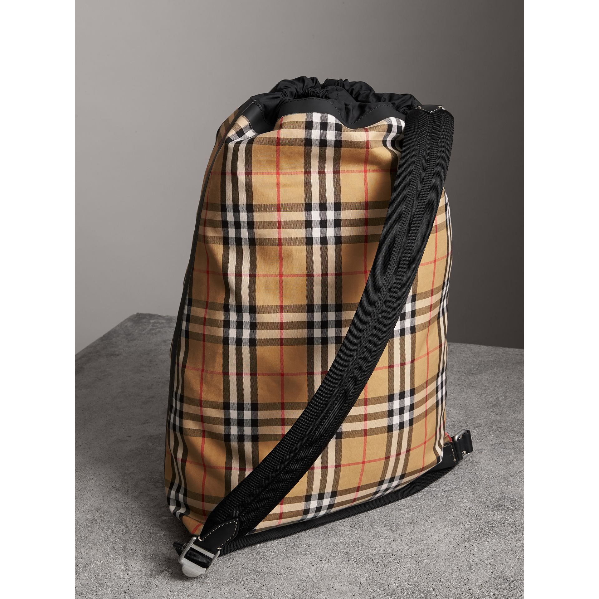 Medium Vintage Check Cotton Duffle Bag in Antique Yellow | Burberry Australia - gallery image 4
