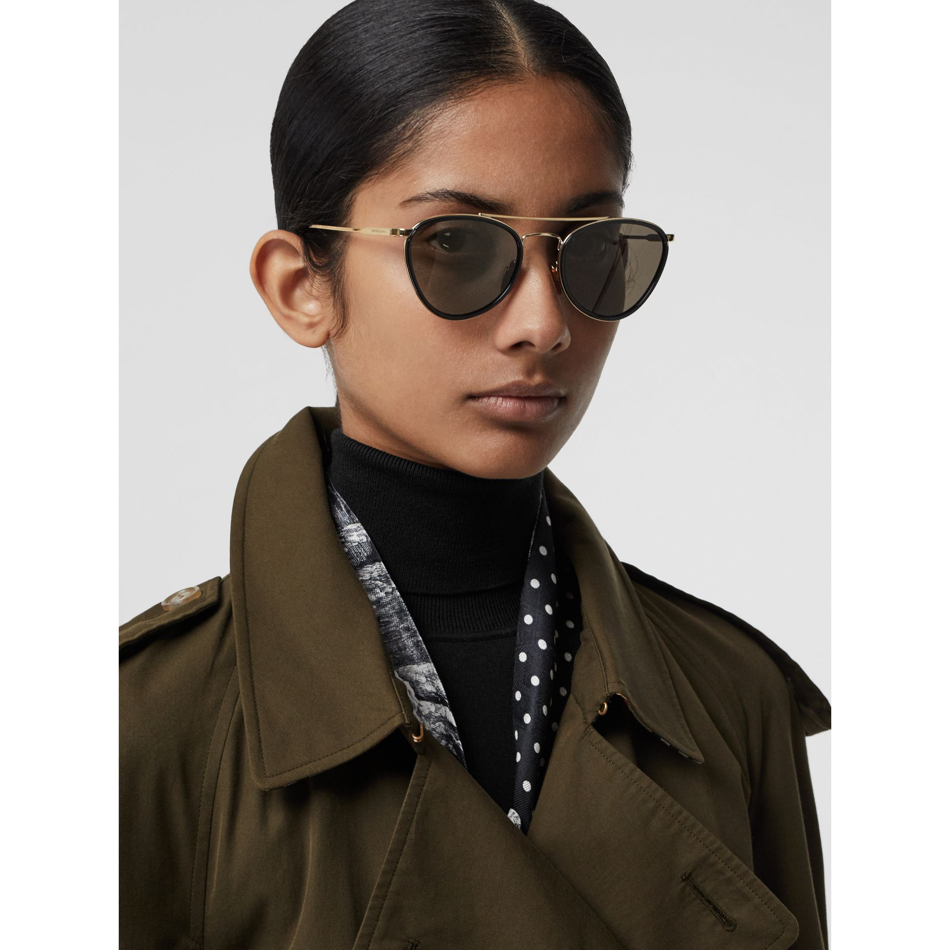 Pilot Sunglasses in Black - Women | Burberry United States - gallery image 2