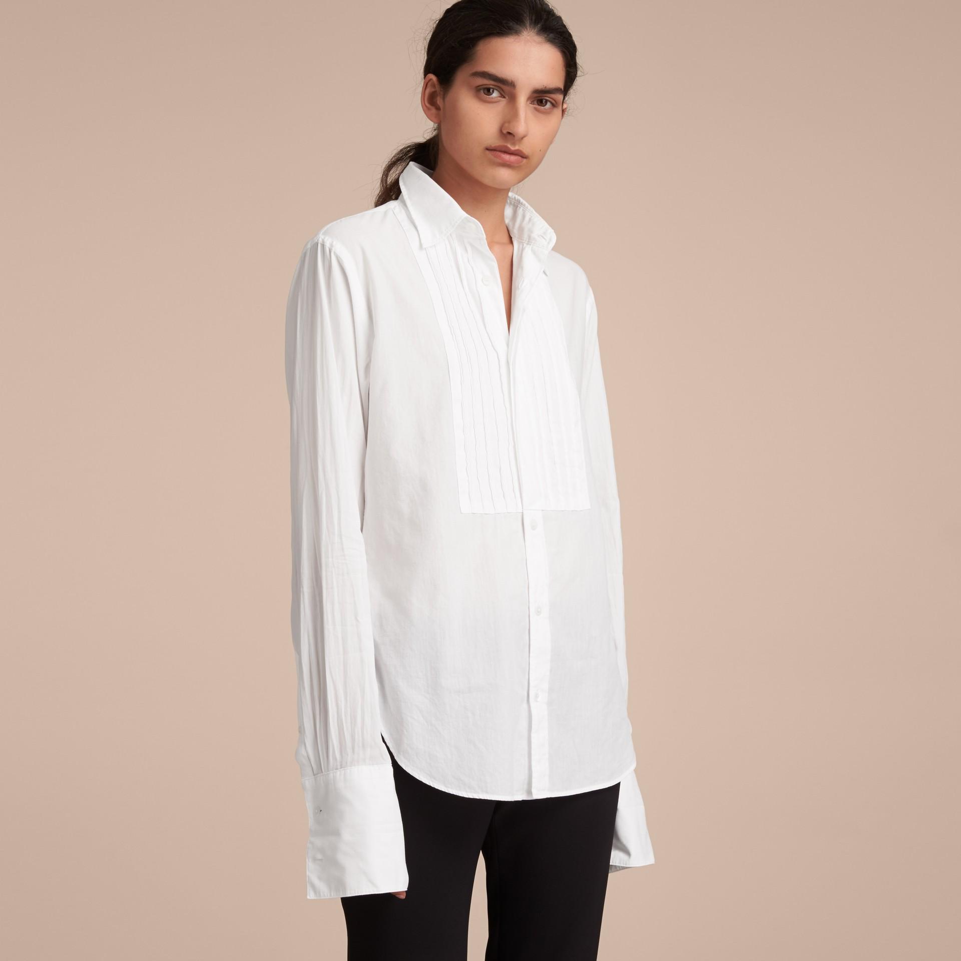 Unisex Double-cuff Pintuck Bib Cotton Shirt White - gallery image 6