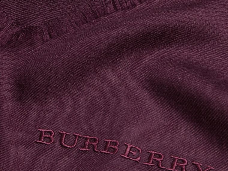 Aubergine The Lightweight Cashmere Scarf Aubergine - cell image 4