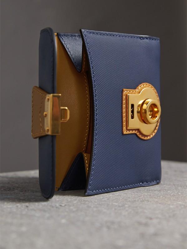 Portefeuille en cuir trench bicolore (Bleu Encre/jaune Ocre) - Femme | Burberry - cell image 3