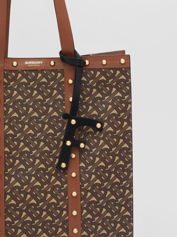 Ciondolo a forma di F in pelle con borchie (Nero/oro Chiaro) | Burberry - cell image 3