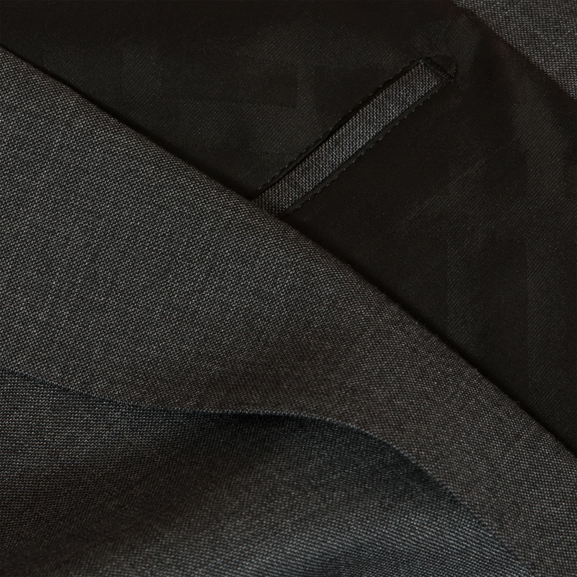 Dark grey melange Modern Fit Travel Tailoring Virgin Wool Suit - gallery image 2