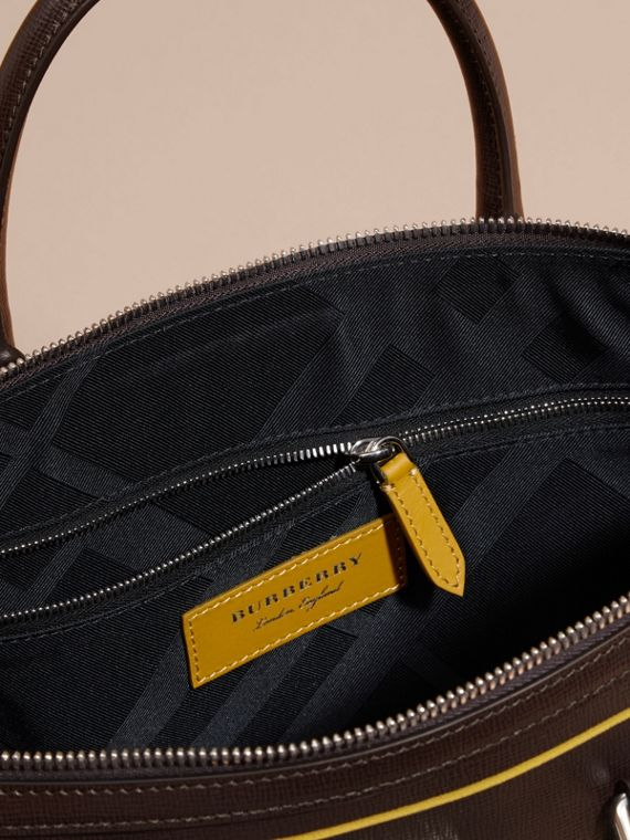 Peppercorn The Slim Barrow Bag in London Leather with Border Detail Peppercorn - cell image 3