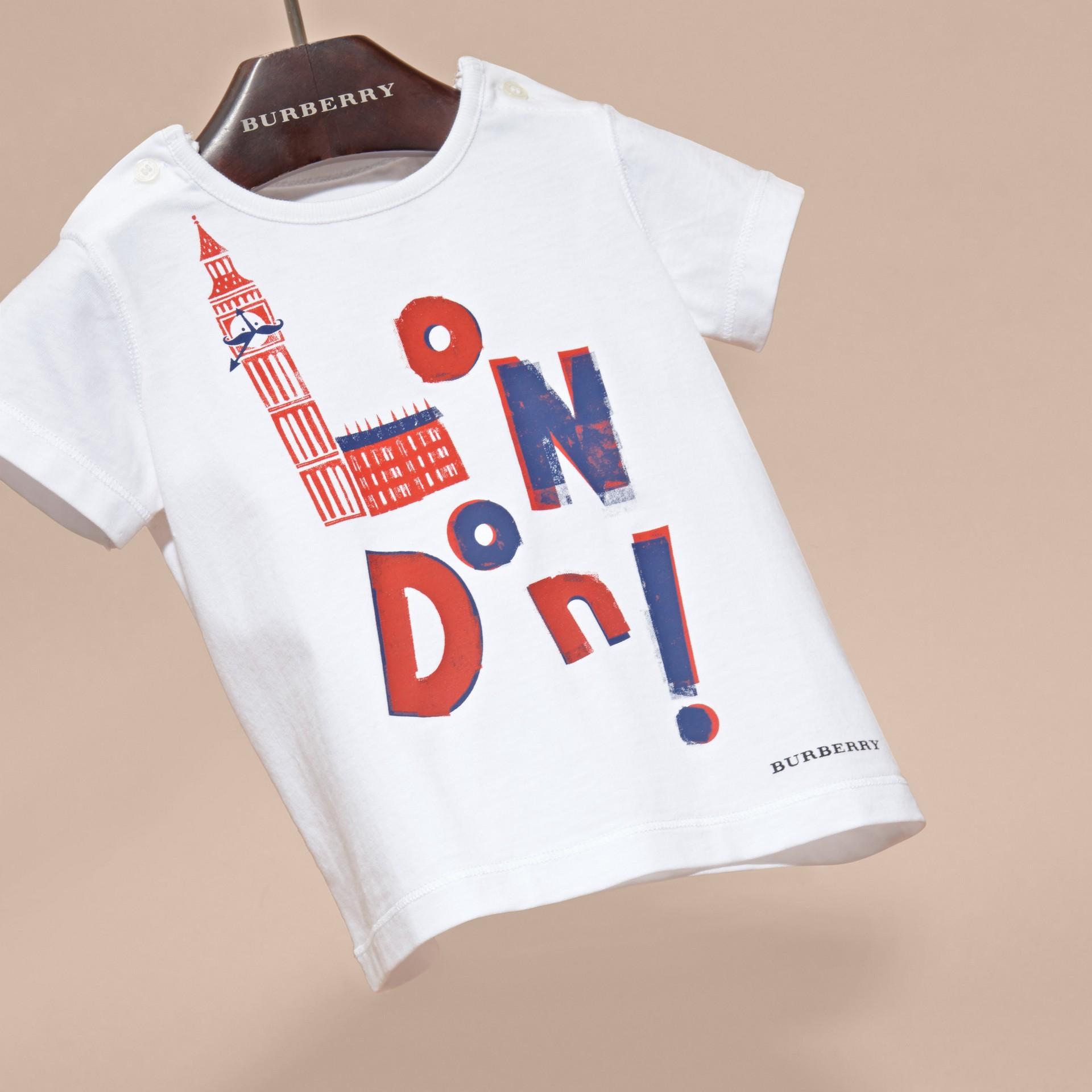 Rosso parata T-shirt in cotone con motivo London - immagine della galleria 3