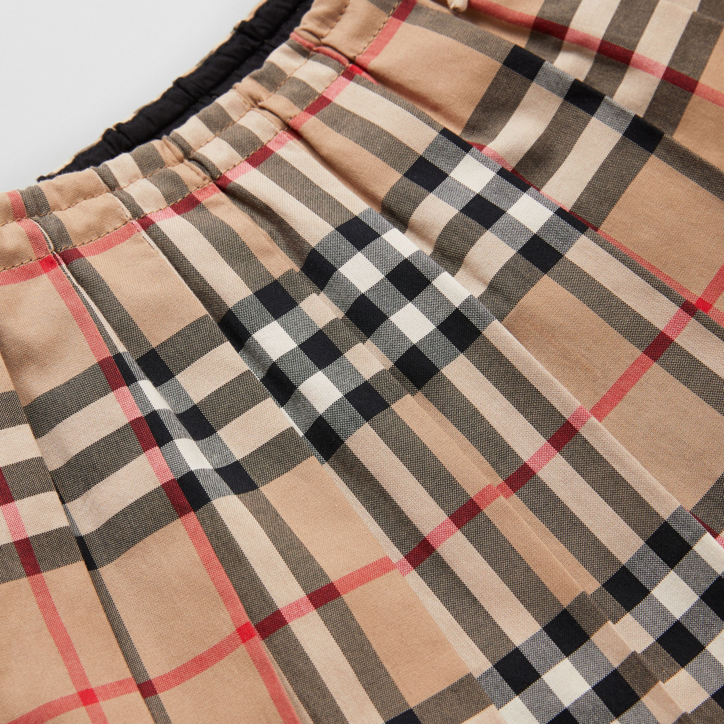 Vintage Check Cotton Pleated Skirt in Archive Beige - Children | Burberry - 2