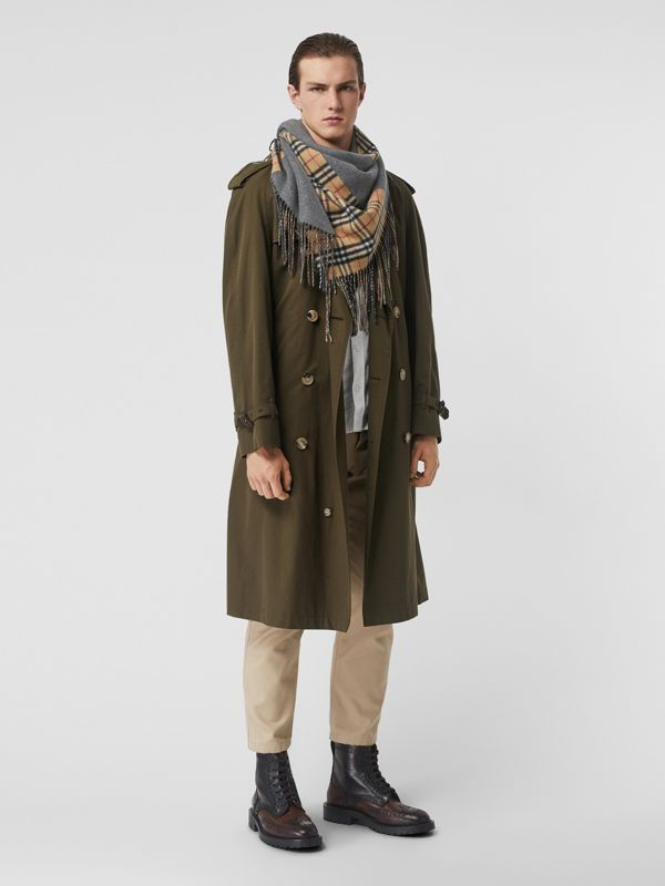 The Burberry Bandana in Vintage Check Cashmere in Pewter Grey | Burberry Australia - cell image 3