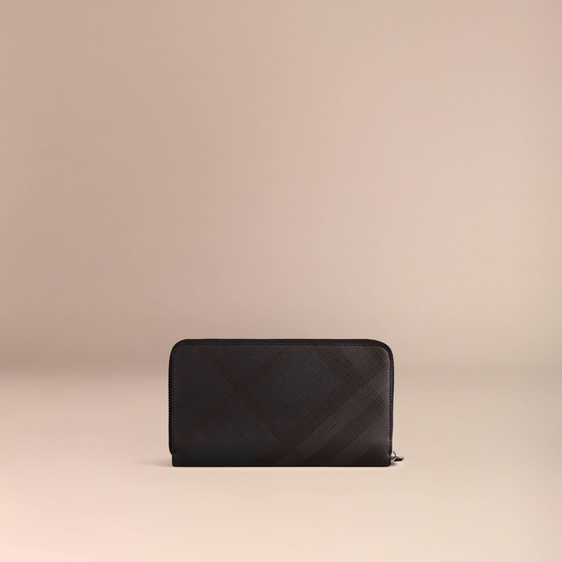 London Check Ziparound Wallet in Navy/black - gallery image 3
