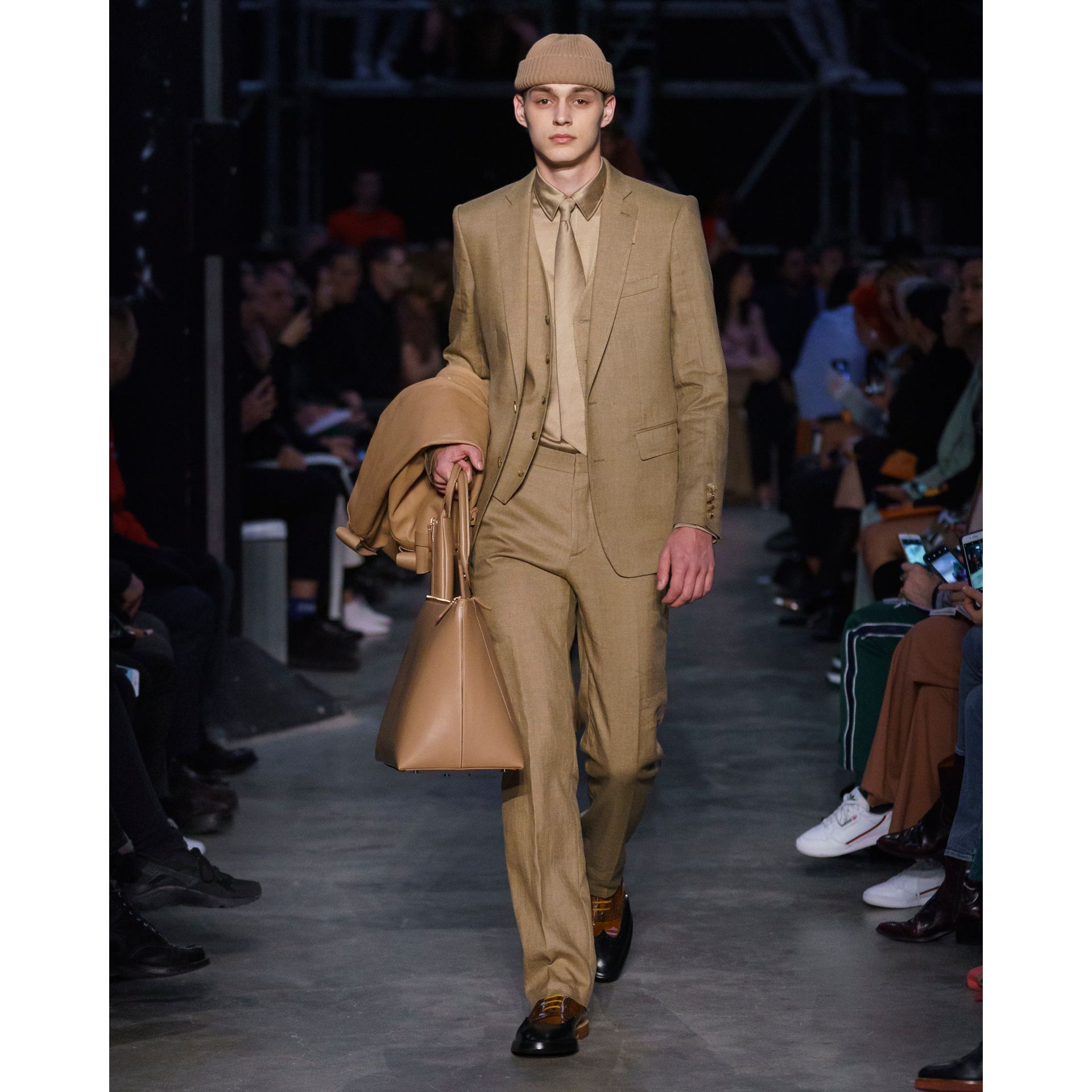 Plonge Leather Trench Coat in Camel - Men | Burberry - gallery image 8