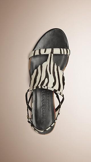 Sandales en cuir de veau avec imprimé fauve