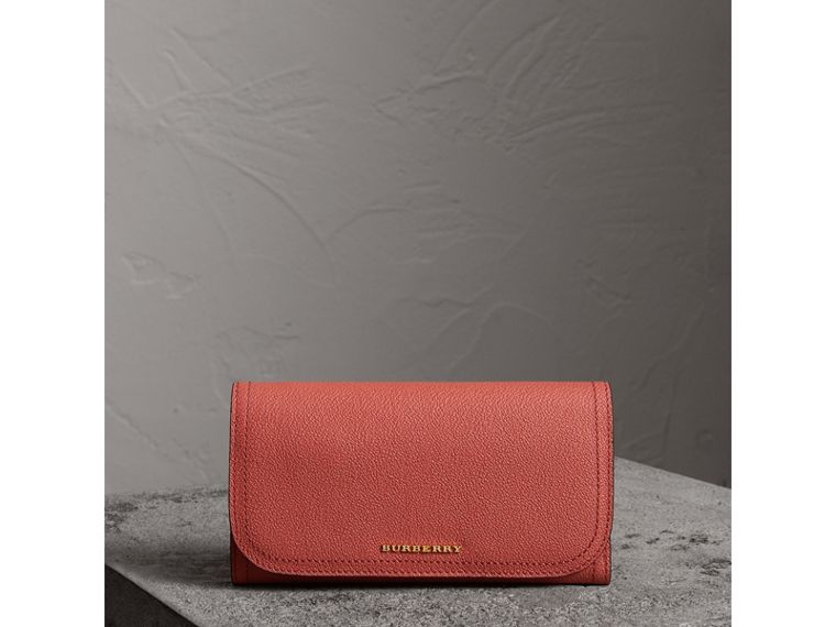Two-tone Leather Continental Wallet and Coin Case in Cinnamon Red/multi - Women | Burberry - cell image 4