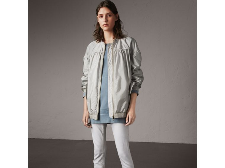 Ruched Showerproof Jacket in Pale Grey - Women | Burberry - cell image 4