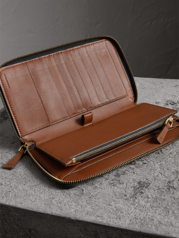 Trench Leather Ziparound Wallet in Tan - Men | Burberry Australia - cell image 3