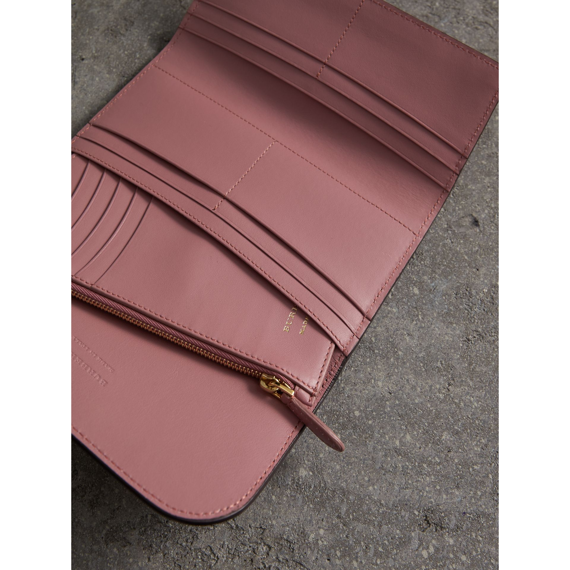 Leather Continental Wallet with Removable Coin Case in Dusty Pink - Women | Burberry Hong Kong - gallery image 4