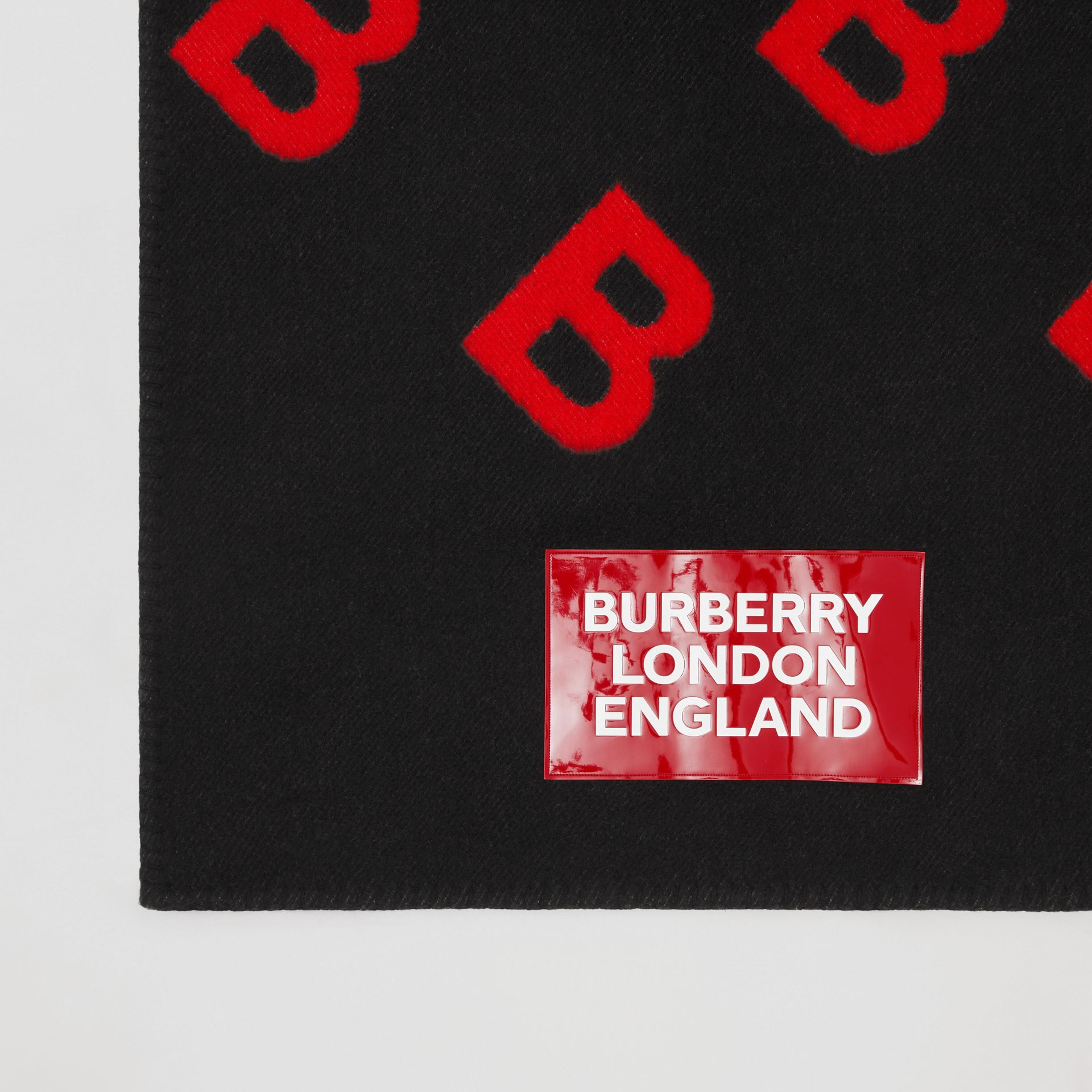Reversible B Motif Wool Cashmere Blanket Cape in Black/bright Red - Women | Burberry - gallery image 3