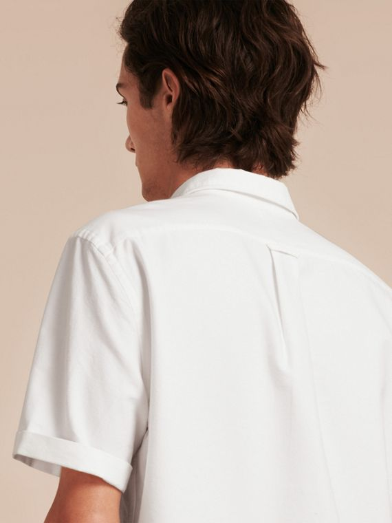 Check Detail Short-Sleeved Cotton Oxford Shirt in White - cell image 2