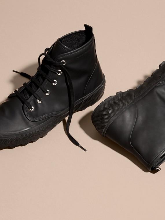 Nero Stivali con lacci in pelle gommata - cell image 2