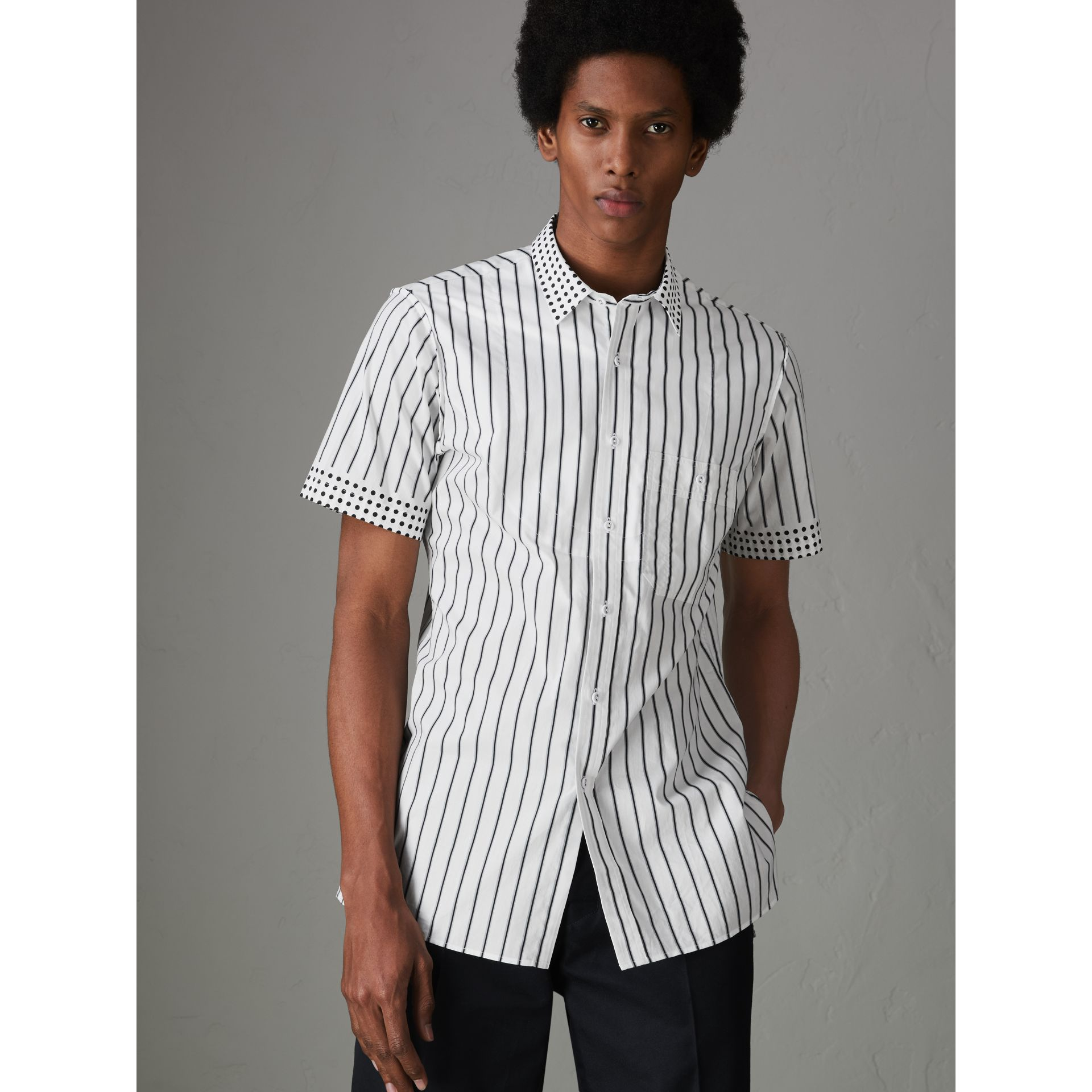 Short-sleeve Stripe and Spot Print Cotton Shirt in Black - Men | Burberry United Kingdom - gallery image 4