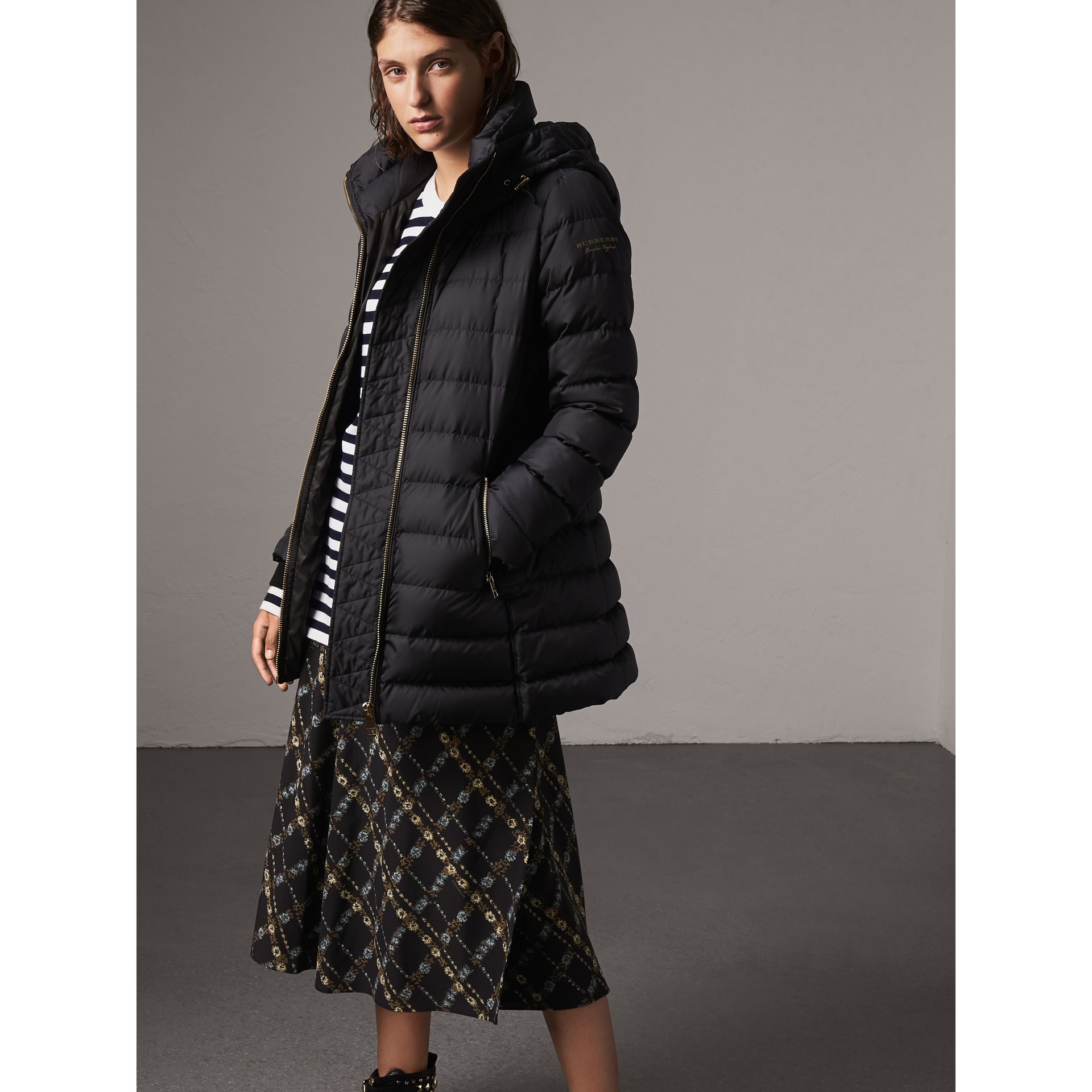 Hooded Down-filled Puffer Jacket in Navy - Women | Burberry United Kingdom - gallery image 4