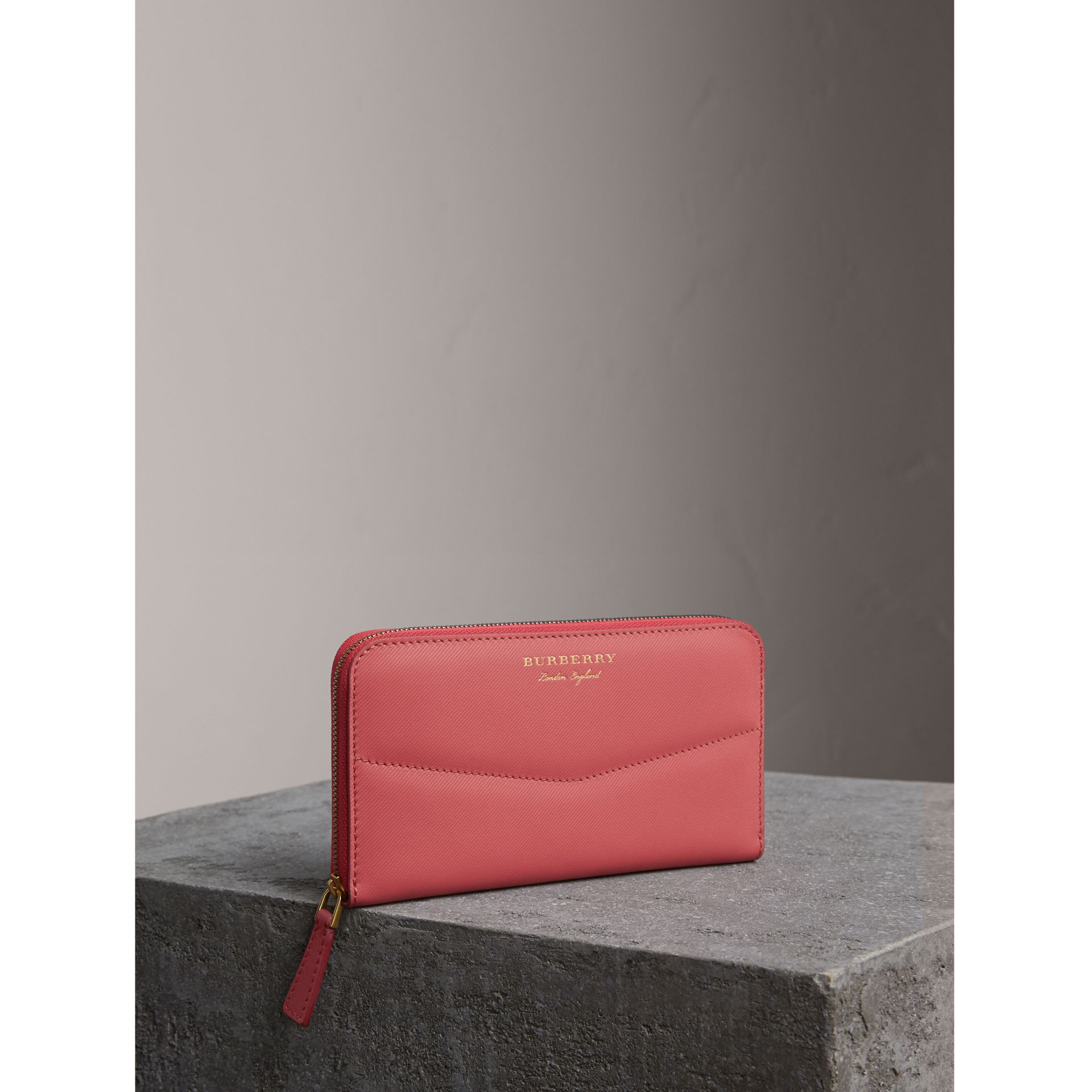 Two-tone Trench Leather Ziparound Wallet in Blossom Pink - Women | Burberry - gallery image 0