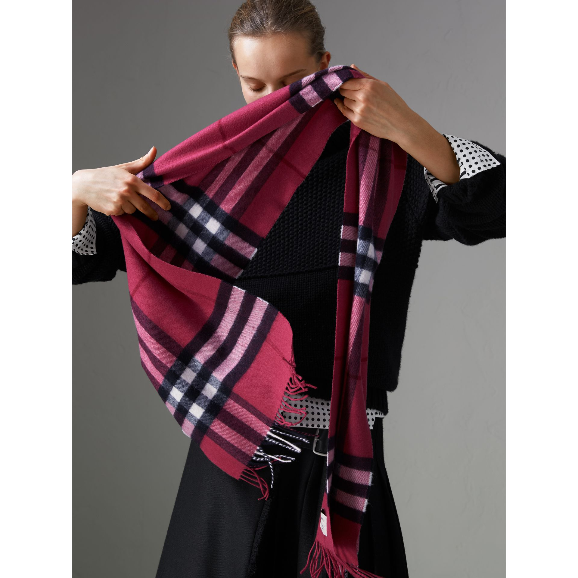 The Classic Check Cashmere Scarf in Fuchsia Pink | Burberry United States - gallery image 5