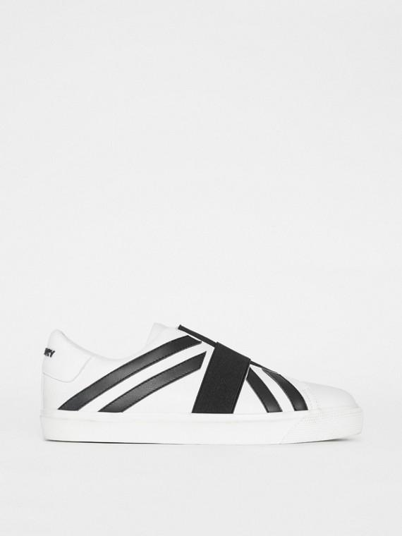 Zapatillas deportivas con motivo de bandera del Reino Unido (Blanco Óptico / Negro)