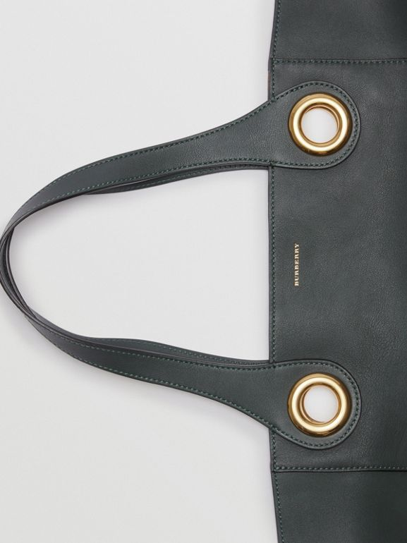 The Leather Grommet Detail Tote in Dark Emerald - Women | Burberry United States - cell image 1