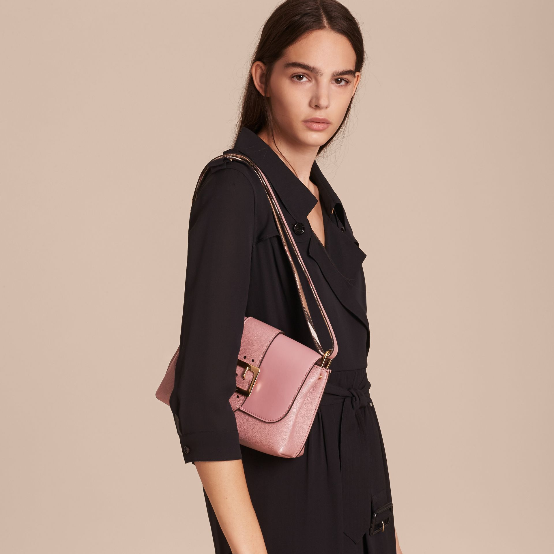 The Buckle Crossbody Bag in Leather in Dusty Pink - gallery image 4