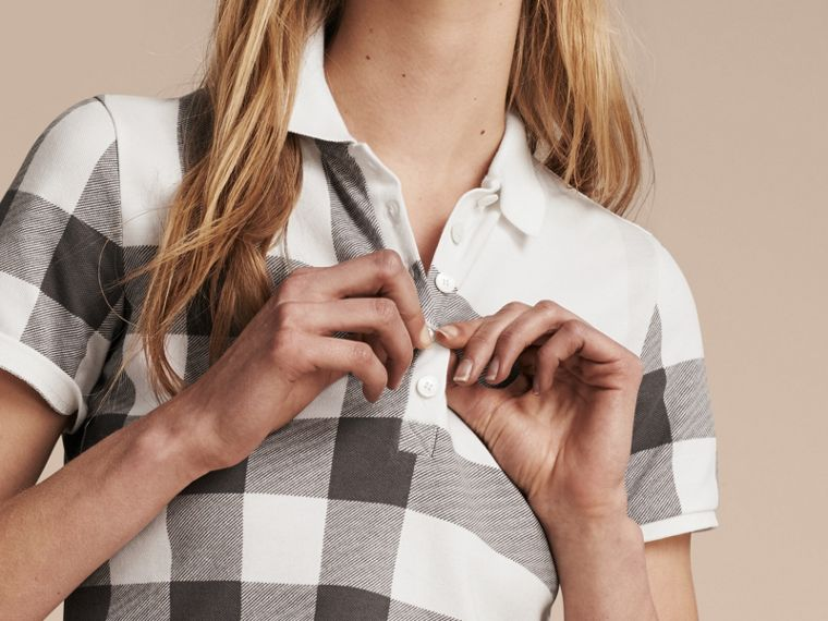 Blanc Polo en piqué de coton extensible à motif check Blanc - cell image 4
