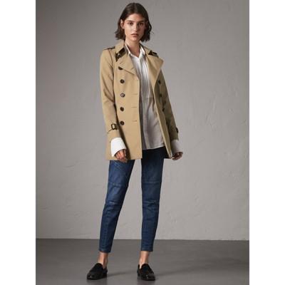 The Chelsea Short Trench Coat In Honey Women