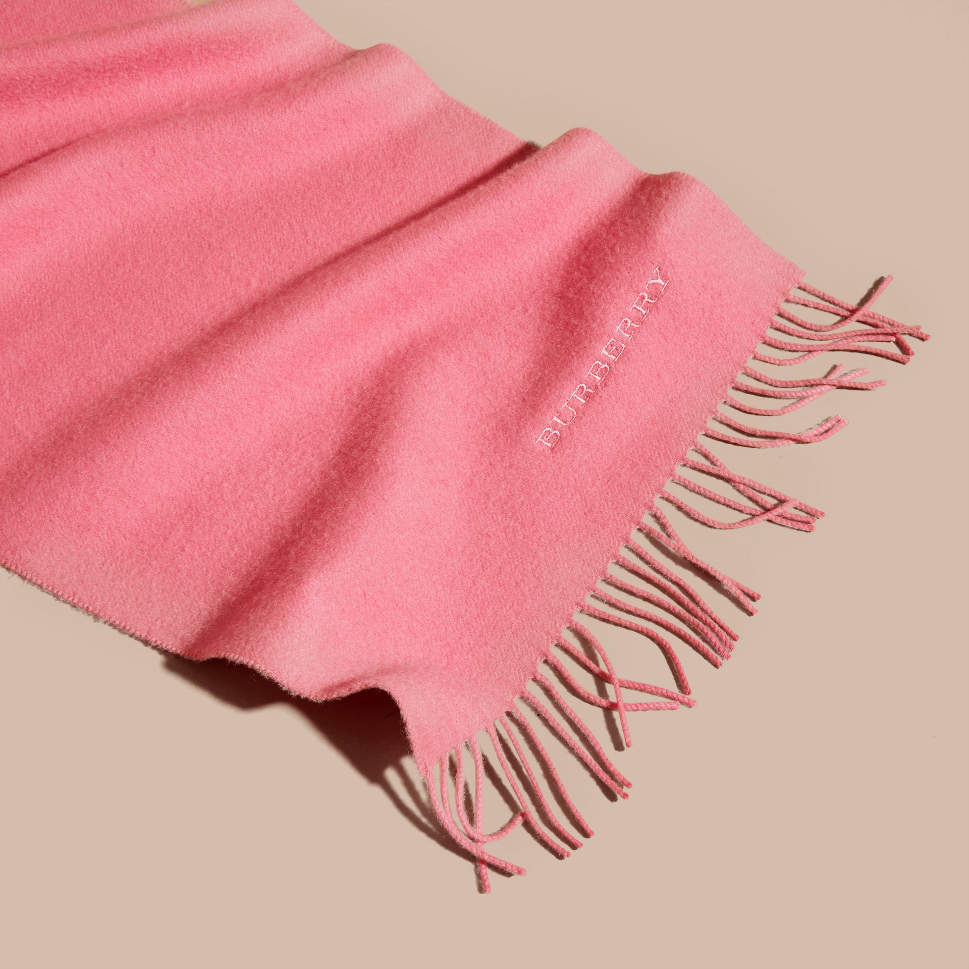 The Classic Cashmere Scarf Rose Pink - gallery image 5