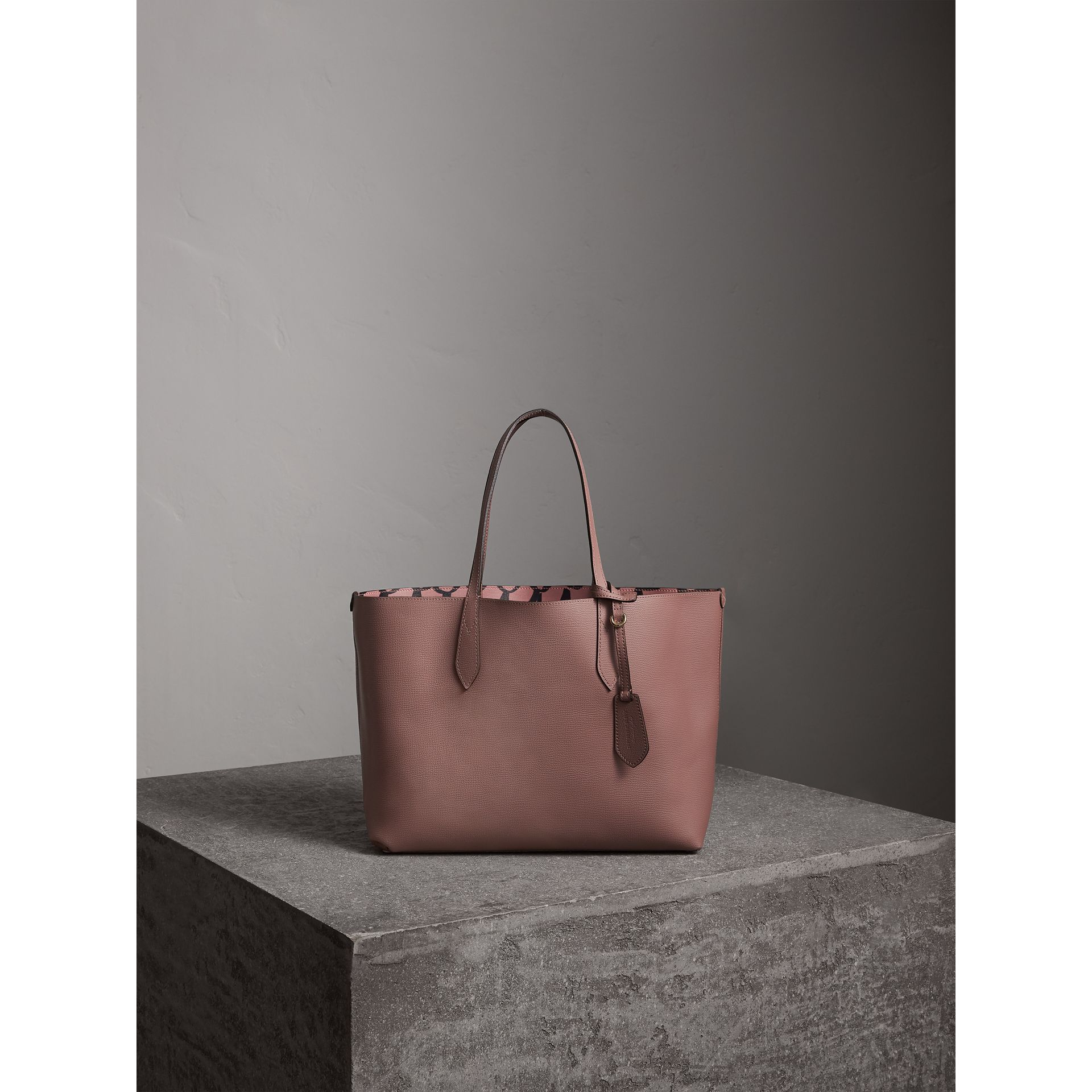 The Medium Reversible Tote in Trompe L'oeil Print in Light Elderberry - Women | Burberry United States - gallery image 7